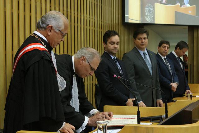 Luiz José Dezena da Silva é empossado ministro no TST